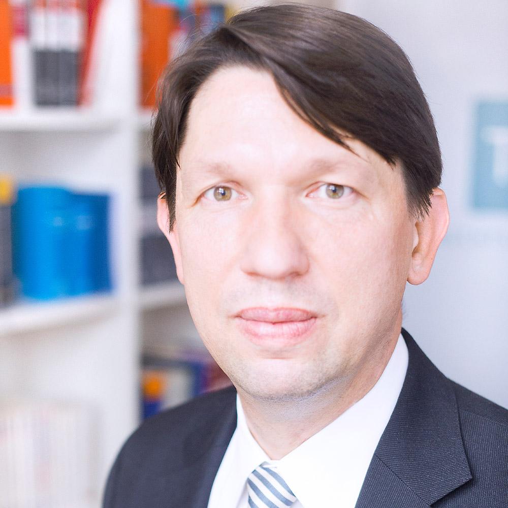 Dr. Thomas Stögmüller