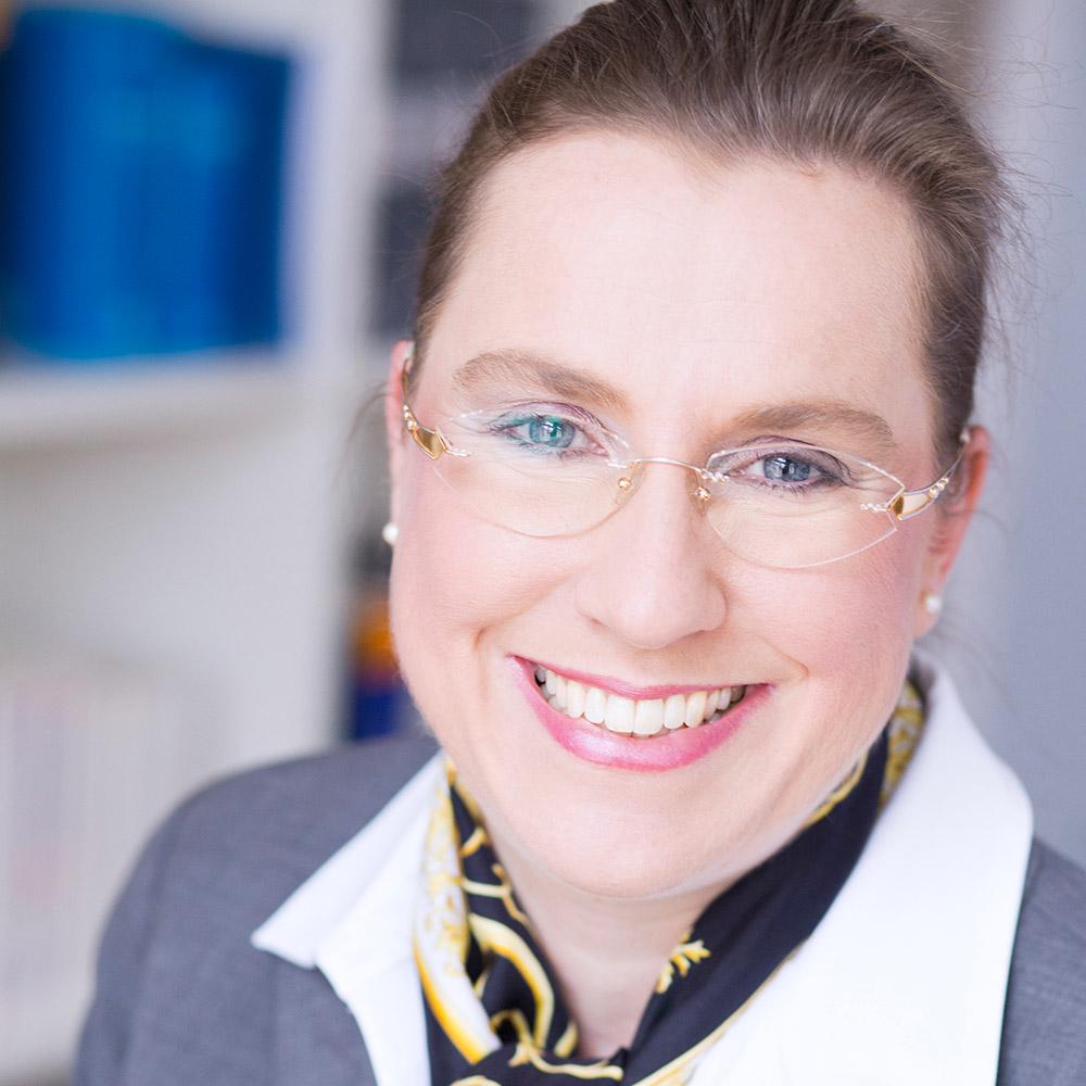 Dr. Truiken J. Heydn